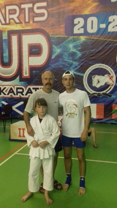 Ребята со своим тренером Сергеем Дмитриевичем Макаровым
