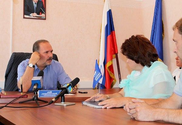 Проблемы образования были обсуждены на приеме граждан губернатором региона