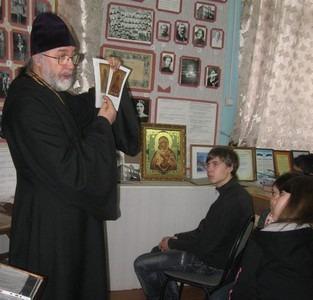 Настоятель храма Богоявления протоиерей Илья.