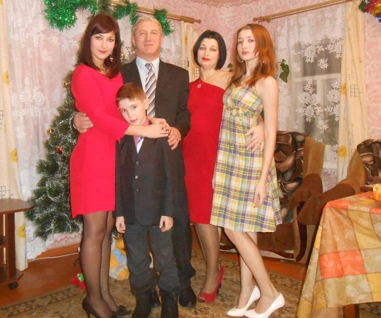 Сейчас редко можно увидеть семью Журиловых в полном составе.
