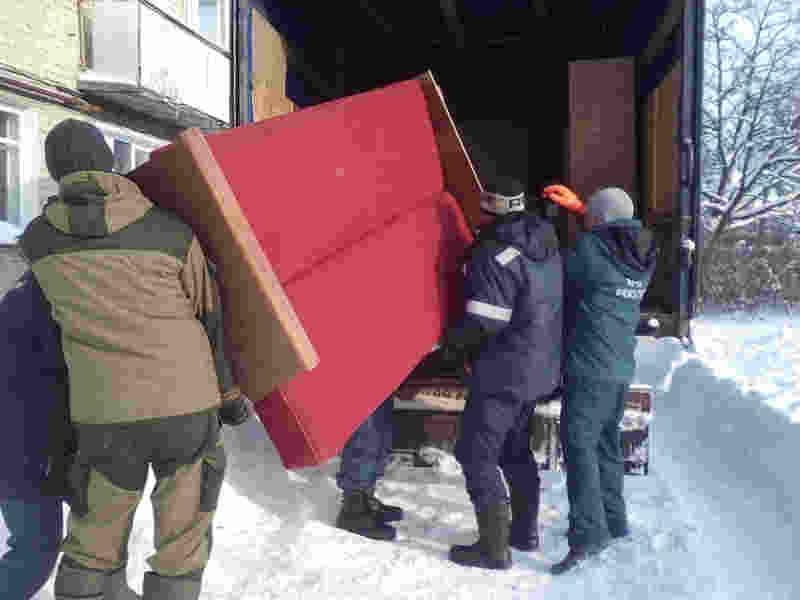 Сотрудники МЧС России оказывают помощь юрьевчанам в переезде на новые места жительства