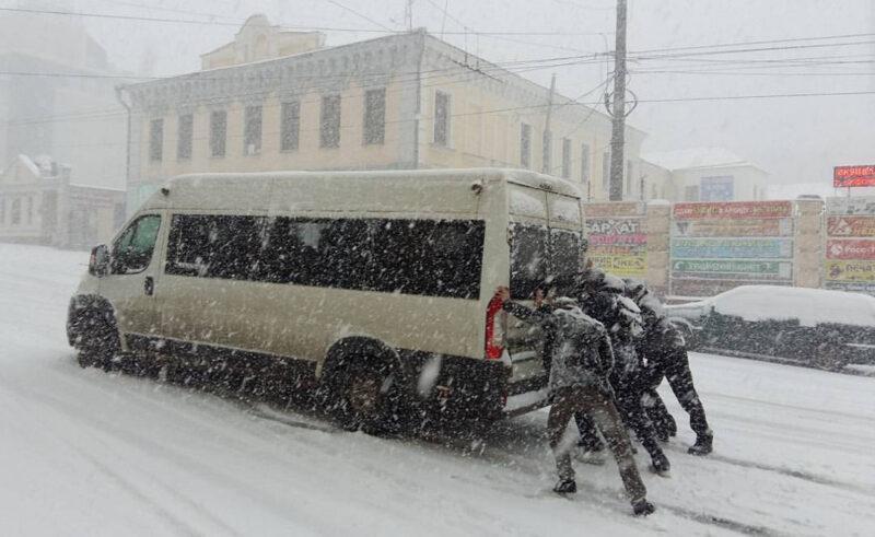В Иванове из-за снегопада объявили режим повышенной готовности