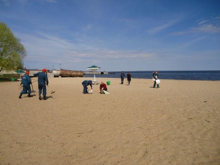 200 кв. м. пляжа убрали от мусора в Юрьевце