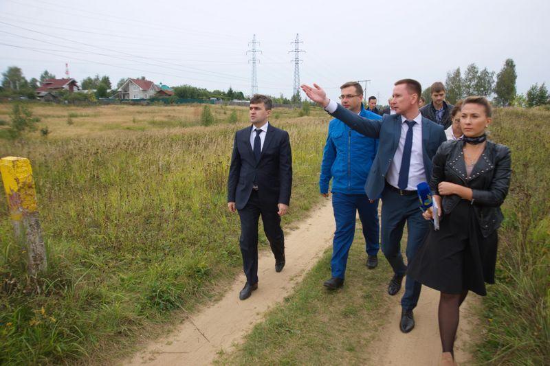 Станислав Воскресенский и Владимир Шарыпов осмотрели земельные участки для строительства ФОКа в Иванове
