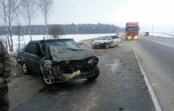Четыре человека пострадали в ДТП на трассе Иваново-Кострома