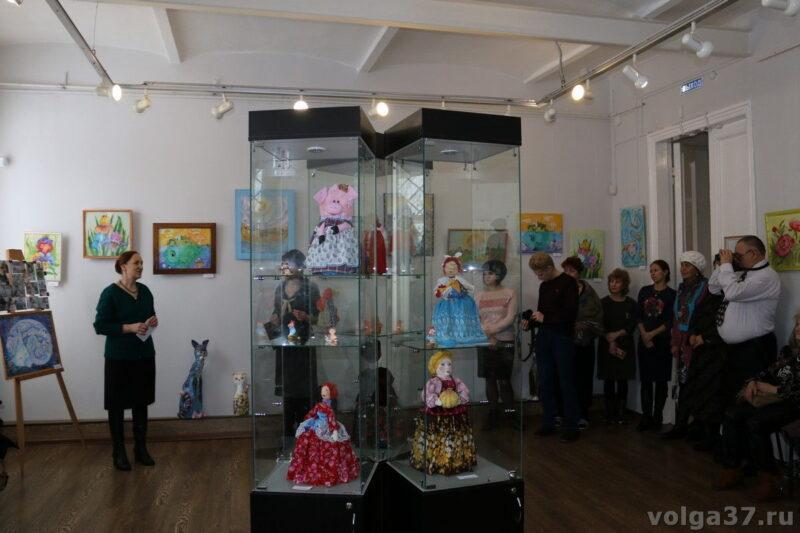 Открылась выставка работ  студии «Чайная роза»