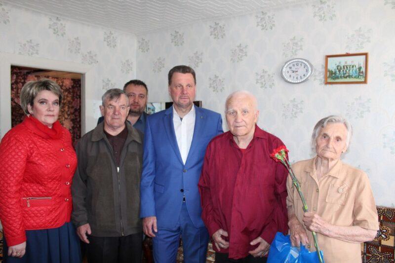 Сергей Мазалов поздравил ветеранов войны с Днем Победы