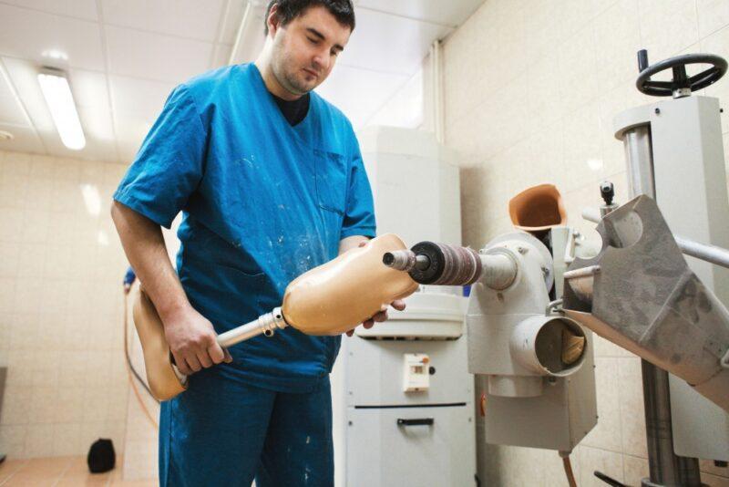 Жители Ивановской области обеспечиваются протезно-ортопедическими изделиями бесплатно