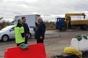 Александр Фомин проверил возведение «островка безопасности» на аварийном участке трассы Иваново-Кинешма