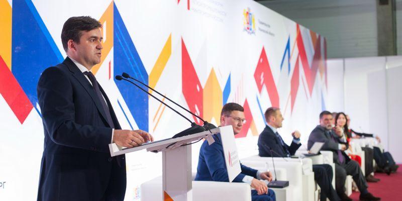 На Всероссийском форуме легкой промышленности в Иванове обсудили результаты работы отрасли и эффективность мер господдержки