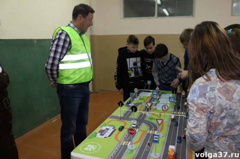 «Лаборатория безопасности» в гостях у школьников