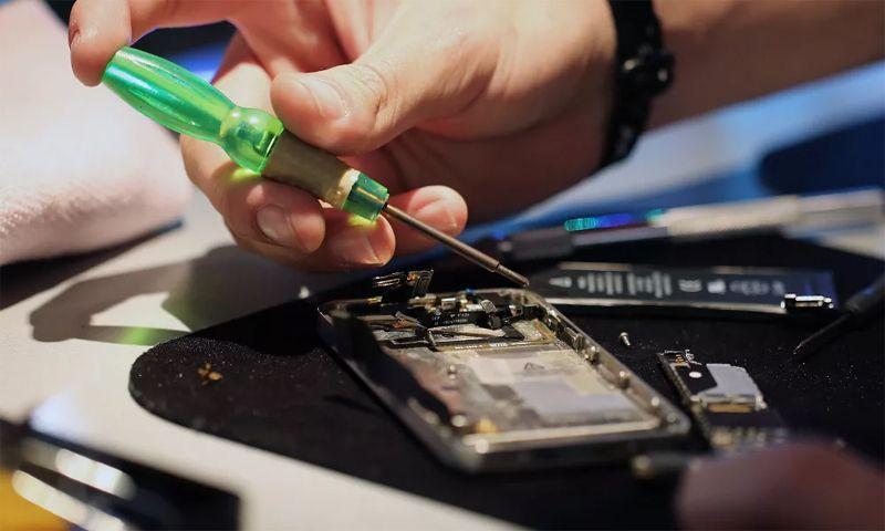 Задержав ремонт телефона, компания потеряла почти 50 тысяч рублей
