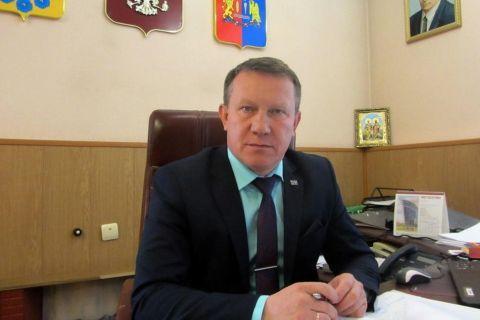 Глава Пестяковского района уволился по семейным обстоятельствам