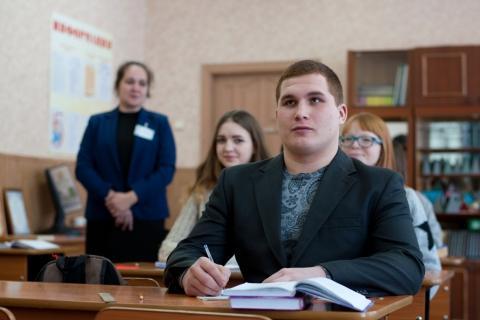 Одинадцатиклассники Ивановской области пишут итоговое сочинение