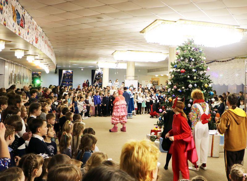 Единороссы Ивановской области подарили детям праздник