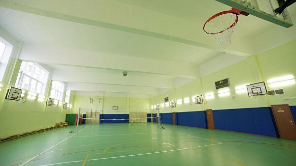 Депутаты - «единороссы» инициируют программу по обновлению школьных спортзалов в городах области