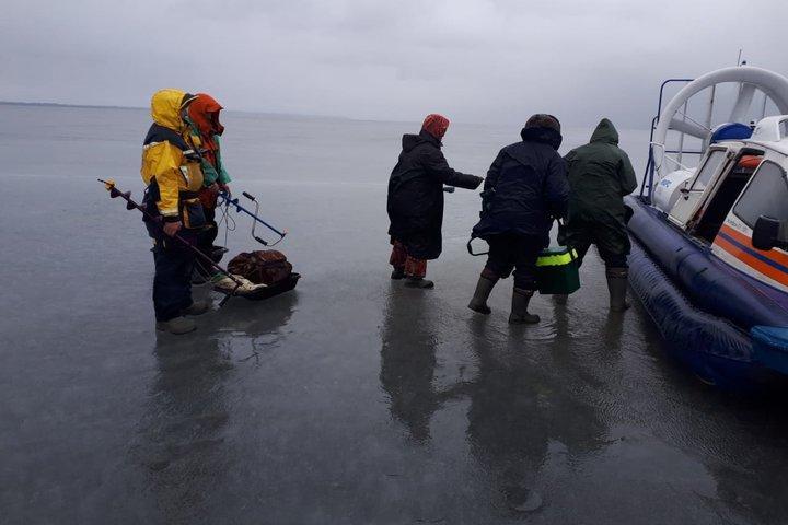Спасатели сняли со льдины под Юрьевцем 24 рыбака
