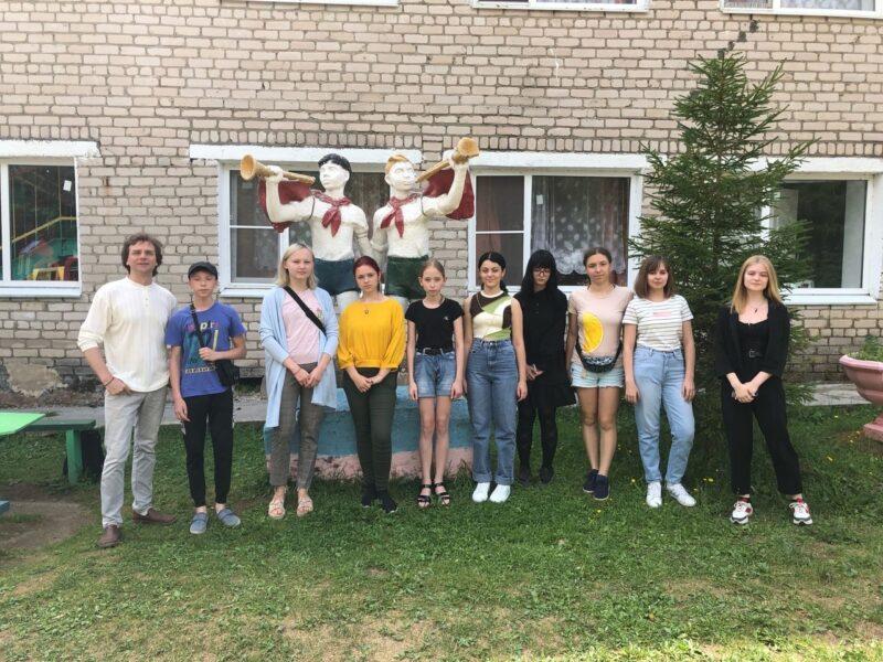 В регионе начал работу творческий лагерь «Волжский художник»